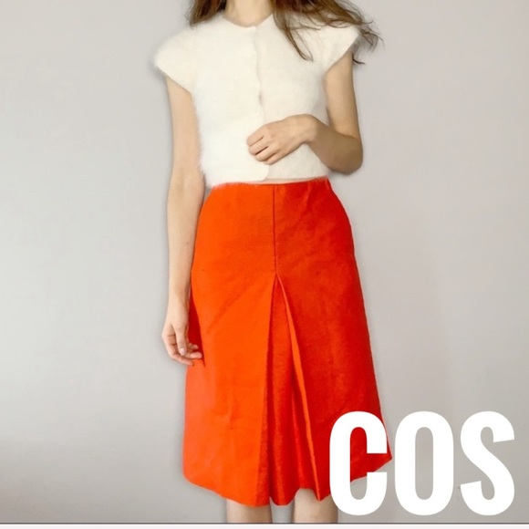 COS Dresses & Skirts - COS highwaisted wool skirt